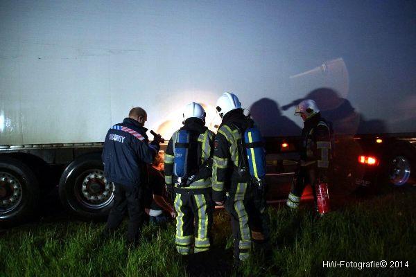 Henry-Wallinga©-Vrachtwagenbrand-Wanneperveen-02