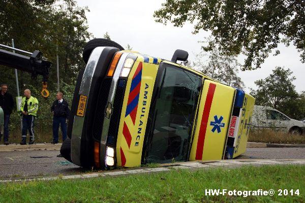 Henry-Wallinga©-Ambulance-Blauwe-Hand-02