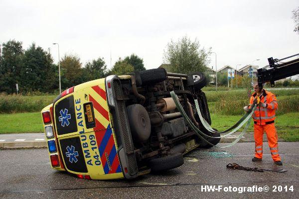 Henry-Wallinga©-Ambulance-Blauwe-Hand-03