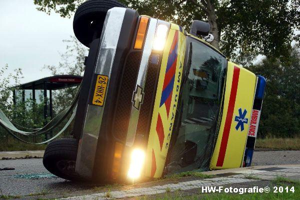 Henry-Wallinga©-Ambulance-Blauwe-Hand-04