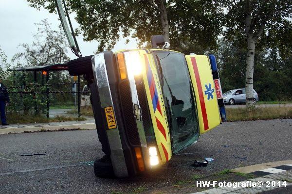Henry-Wallinga©-Ambulance-Blauwe-Hand-07
