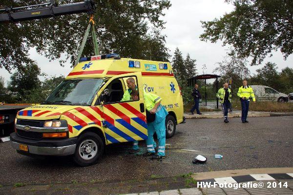 Henry-Wallinga©-Ambulance-Blauwe-Hand-09