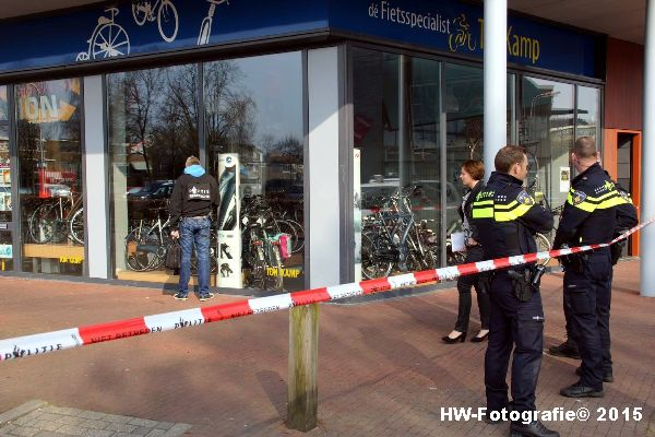 Henry-Wallinga©-Steekpartij--wc-Holtenbroek-Zwolle-04