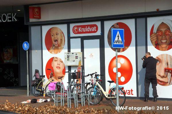 Henry-Wallinga©-Steekpartij--wc-Holtenbroek-Zwolle-06
