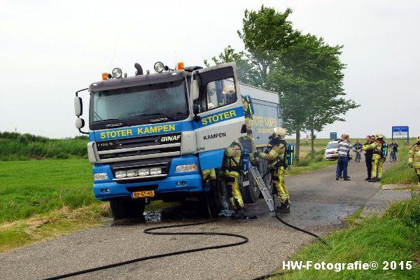 Henry-Wallinga©-Vrachtautobrand-korenbeltweg-Genemuiden-01