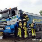 Henry-Wallinga©-Vrachtautobrand-korenbeltweg-Genemuiden-03