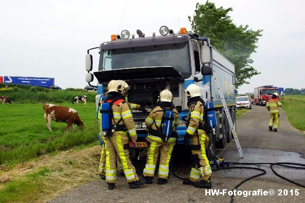 Henry-Wallinga©-Vrachtautobrand-korenbeltweg-Genemuiden-05