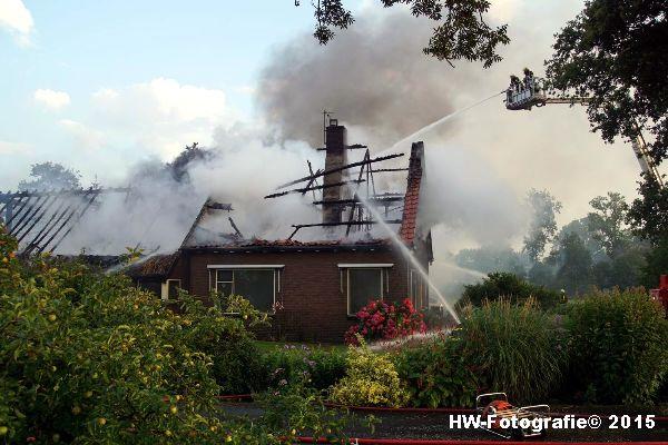 Henry-Wallinga©-Blikseminslag-Kanaaldijk-Giethoorn-10