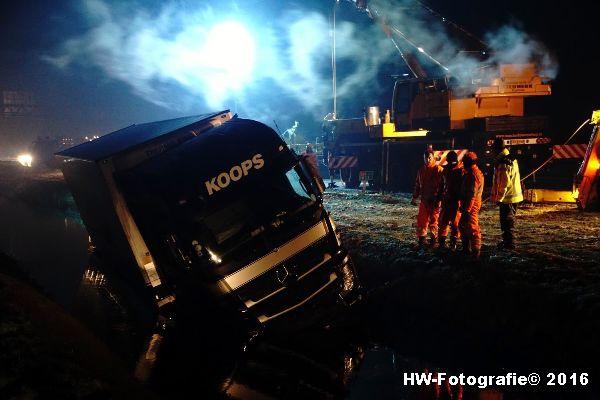 Henry-Wallinga©-Berging-Vrachtwagen-A28-Staphorst-04