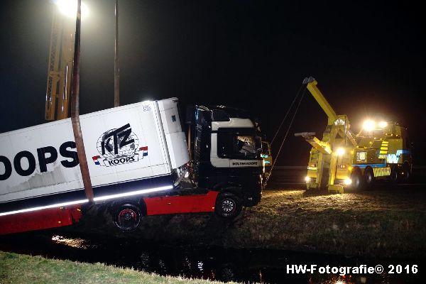 Henry-Wallinga©-Berging-Vrachtwagen-A28-Staphorst-09