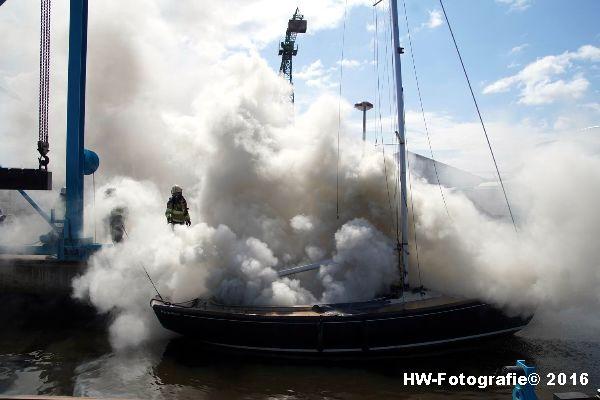 Henry-Wallinga©-Brand--Zeilboot-Kranerweerd-Zwartsluis-01