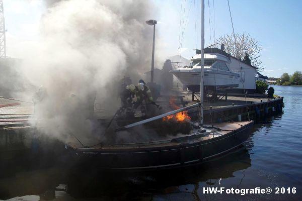Henry-Wallinga©-Brand--Zeilboot-Kranerweerd-Zwartsluis-05