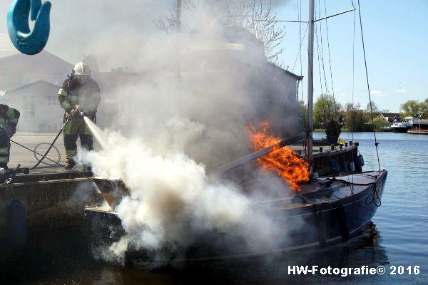 Henry-Wallinga©-Brand--Zeilboot-Kranerweerd-Zwartsluis-07