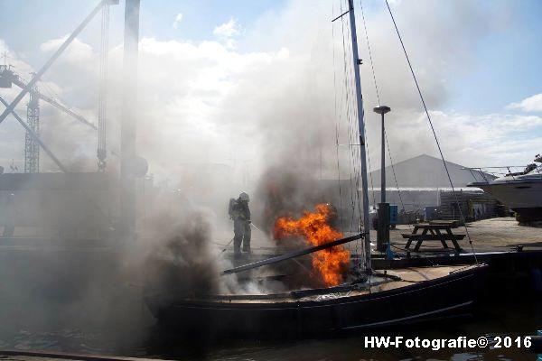 Henry-Wallinga©-Brand--Zeilboot-Kranerweerd-Zwartsluis-09