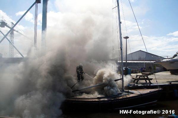 Henry-Wallinga©-Brand--Zeilboot-Kranerweerd-Zwartsluis-10