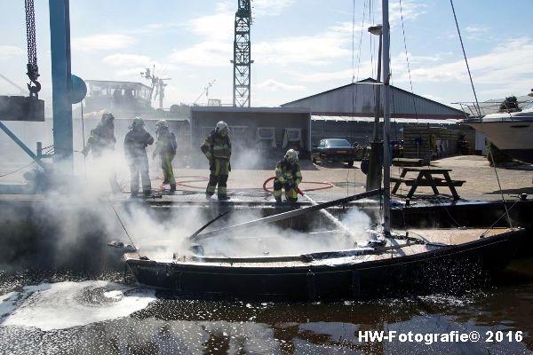 Henry-Wallinga©-Brand--Zeilboot-Kranerweerd-Zwartsluis-15