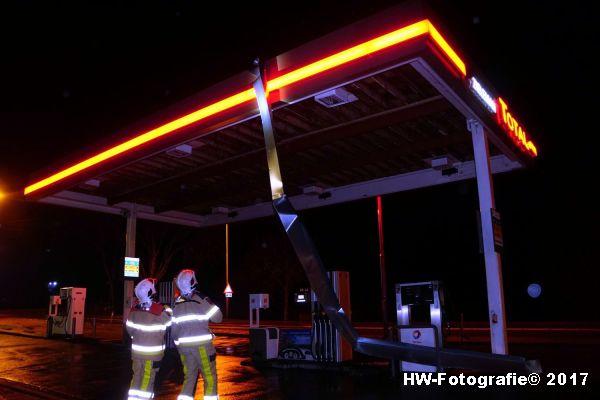 Henry-Wallinga©-Stormschade-Tankstation-Hasselt-01