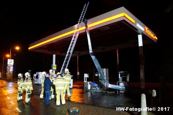 Henry-Wallinga©-Stormschade-Tankstation-Hasselt-02