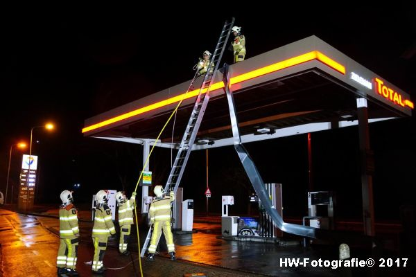 Henry-Wallinga©-Stormschade-Tankstation-Hasselt-05