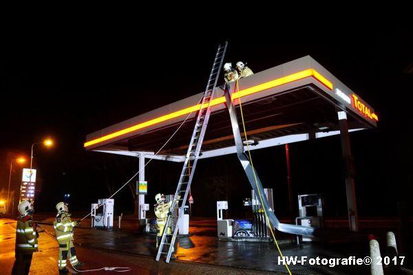 Henry-Wallinga©-Stormschade-Tankstation-Hasselt-08