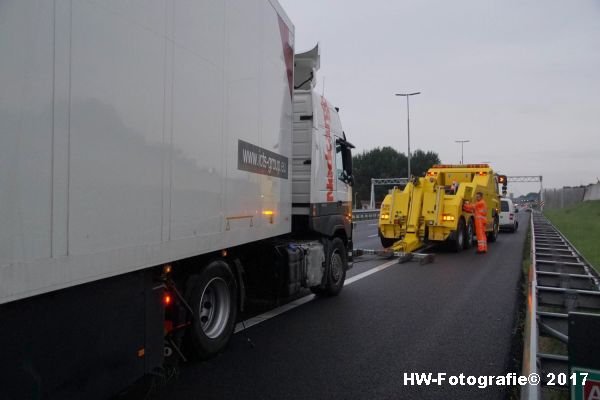 Henry-Wallinga©-Berging-Vrachtwagen-A28-Zwolle-17