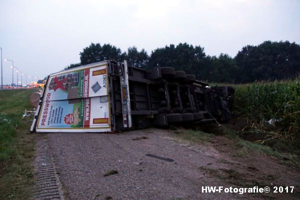 Henry-Wallinga©-Vrachtwagen-Parallelweg-A28-Zwolle-09