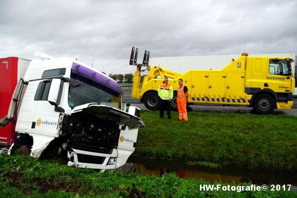 Henry-Wallinga©-Ongeval-Vrachtauto-Sloot-Staphorst-05