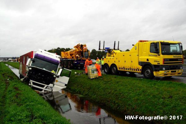 Henry-Wallinga©-Ongeval-Vrachtauto-Sloot-Staphorst-06