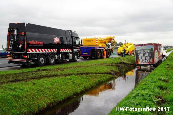 Henry-Wallinga©-Ongeval-Vrachtauto-Sloot-Staphorst-07