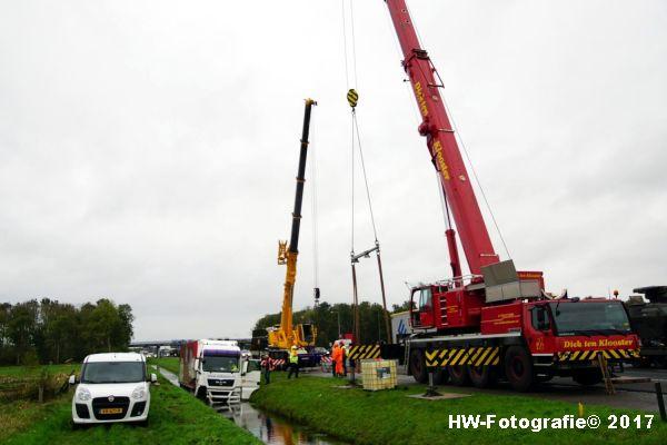 Henry-Wallinga©-Ongeval-Vrachtauto-Sloot-Staphorst-10