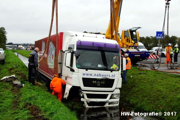 Henry-Wallinga©-Ongeval-Vrachtauto-Sloot-Staphorst-12
