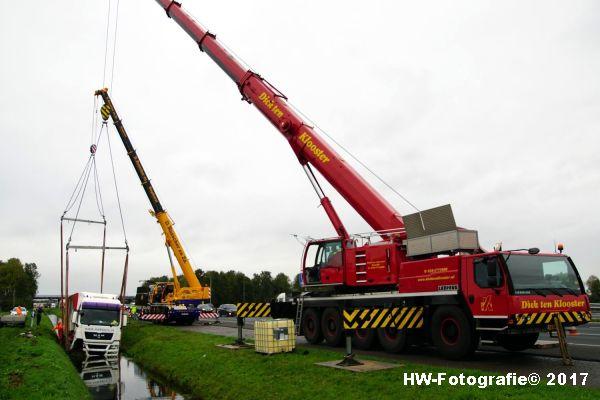 Henry-Wallinga©-Ongeval-Vrachtauto-Sloot-Staphorst-13