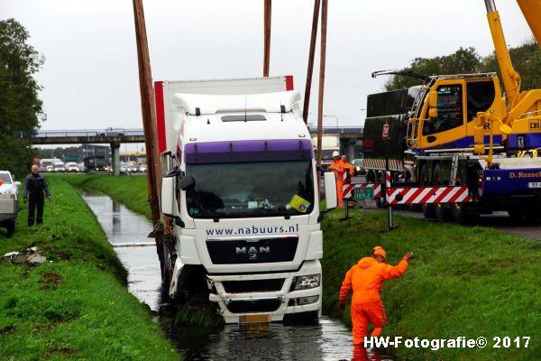 Henry-Wallinga©-Ongeval-Vrachtauto-Sloot-Staphorst-14