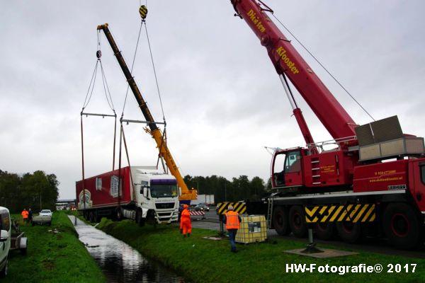 Henry-Wallinga©-Ongeval-Vrachtauto-Sloot-Staphorst-15