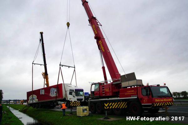 Henry-Wallinga©-Ongeval-Vrachtauto-Sloot-Staphorst-17