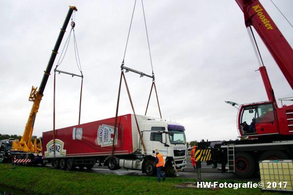 Henry-Wallinga©-Ongeval-Vrachtauto-Sloot-Staphorst-18