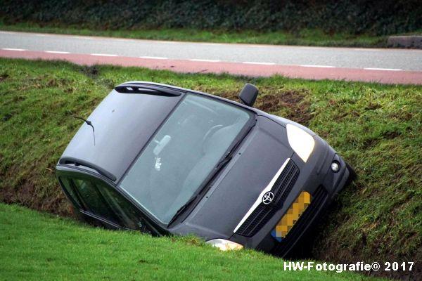 Henry-Wallinga©-Auto-Greppel-Verkavelingsweg-Hasselt-01