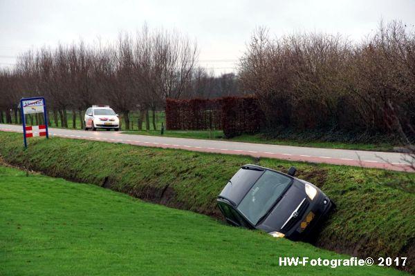Henry-Wallinga©-Auto-Greppel-Verkavelingsweg-Hasselt-02