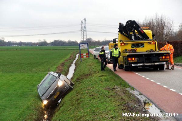 Henry-Wallinga©-Auto-Greppel-Verkavelingsweg-Hasselt-04