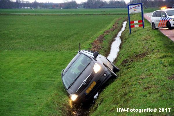 Henry-Wallinga©-Auto-Greppel-Verkavelingsweg-Hasselt-05