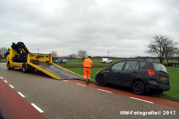 Henry-Wallinga©-Auto-Greppel-Verkavelingsweg-Hasselt-11