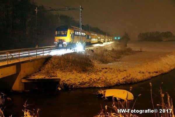 Henry-Wallinga©-Trein-Auto-Overweg-Zwolle-01