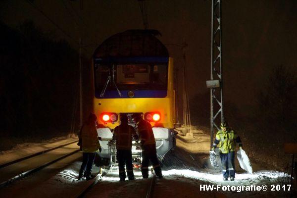 Henry-Wallinga©-Trein-Auto-Overweg-Zwolle-09