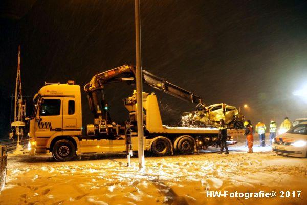 Henry-Wallinga©-Trein-Auto-Overweg-Zwolle-21