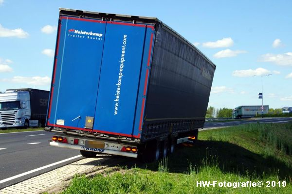Henry-Wallinga©-Truck-Weggezakt-N331-Hasselt-02
